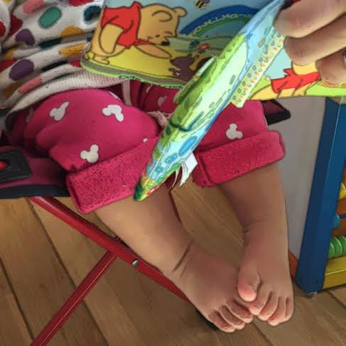 小寶寶可愛的肥肥腳趾,姨姨愛妳!